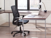 OFM-seating-ESS-3055-BLK_LIFESTYLE 04
